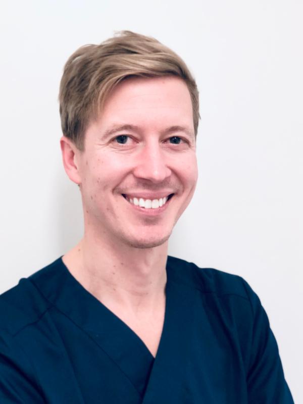 Tandläkare Mårten Fransson